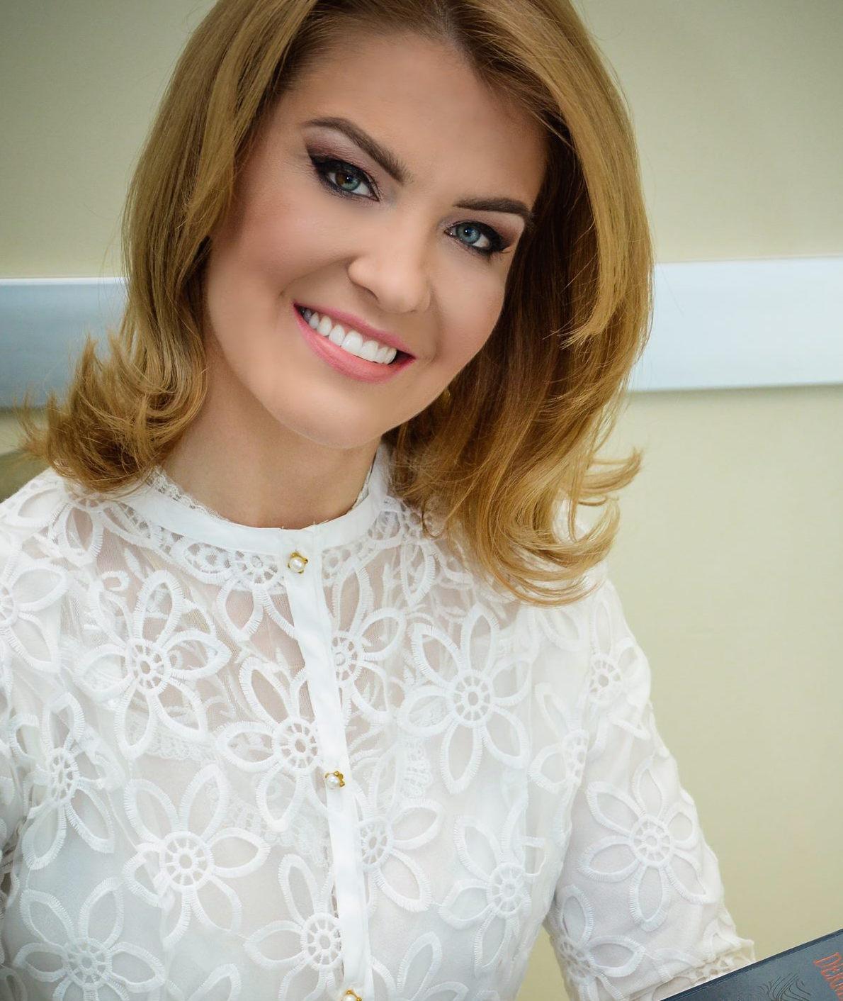 Dra. Bruna Sobreiro